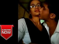 Best kiss video by two lovers   whatsapp viral video   College lovers mms video